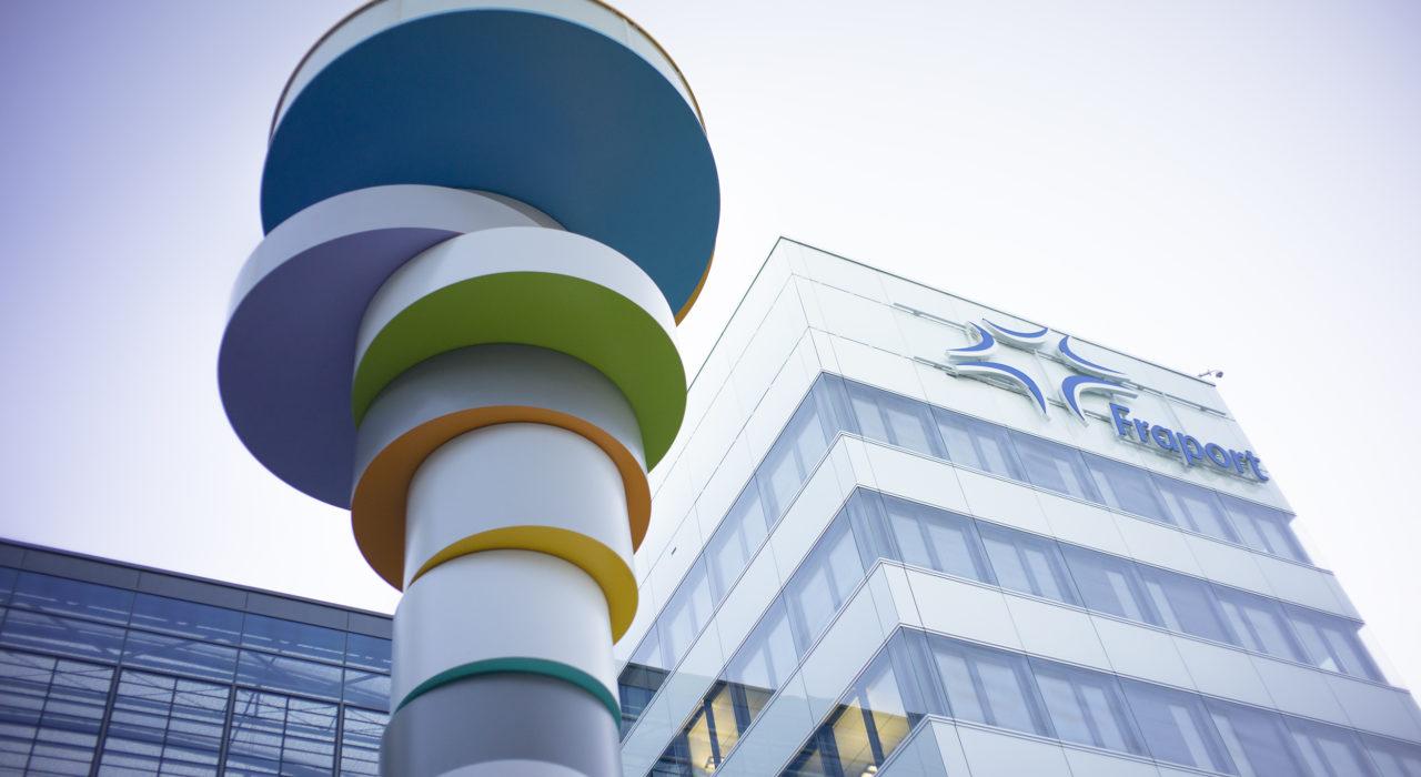 Turm Fraport Plastik Turmskulptur Tobias Rehberger